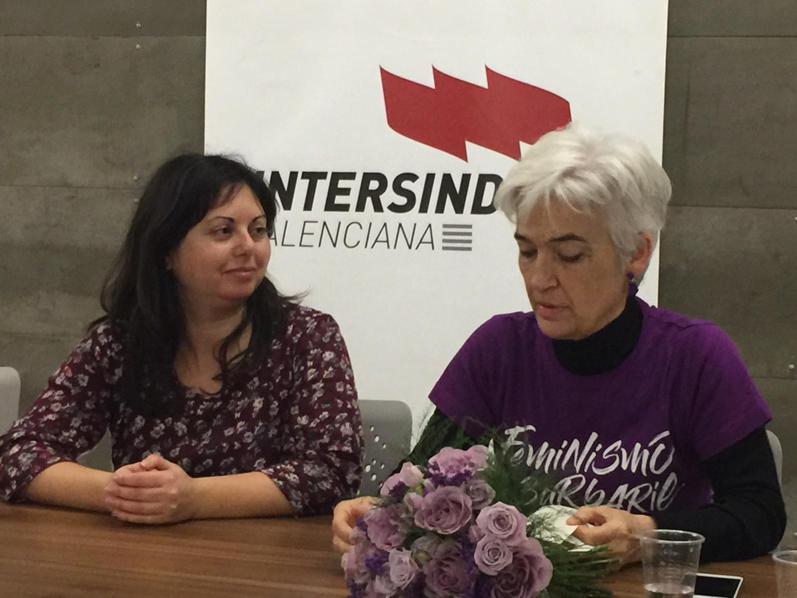 Beatriu Cardona i Pilar Aguilar durant el col·loqui