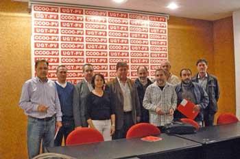 Reunió de CCOO, UGT i INtersindical per a acordar la campanya de defensa dels serveis públics.