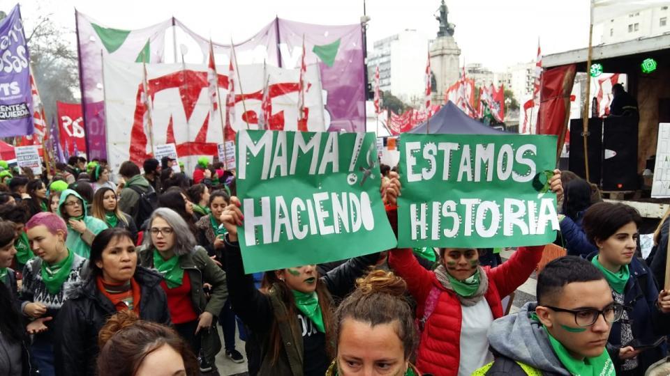 Fotografia de la mobilització argentina del 8 d'abril d'enguany