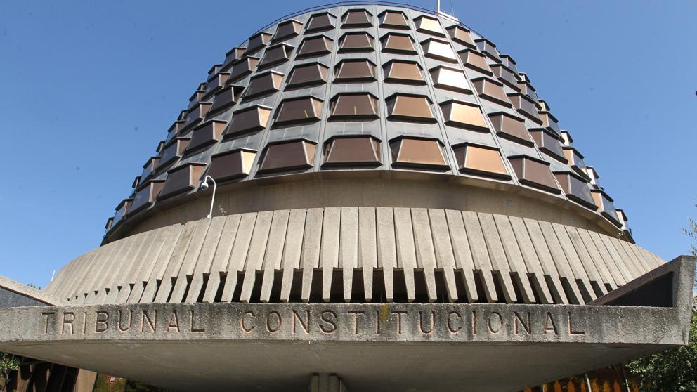 Intersindical Valenciana retrau al Tribunal Constitucional el fet d'erigir-se en defensor de la patronal
