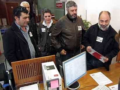 Representants d'Intersindical registren hui la convocatòria de vaga.