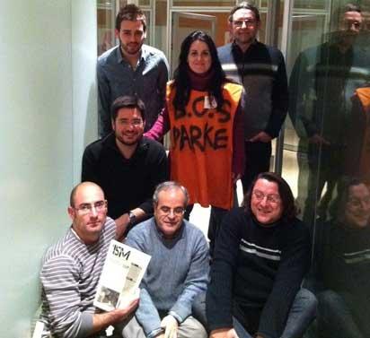 Tancament de diputades i diputats, junt amb sindicalistes  a les Corts Valencianes en solidariat amb Parc Alcosa.