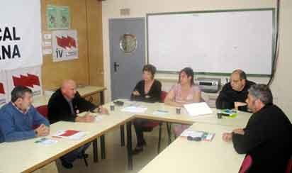 Els Verds del País Valencià, durant la reunió a la seu d'Intersindical.