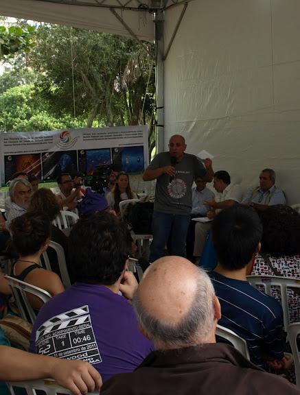 Albert Sansano intervenint en la Cimera dels Pobles de Rio + 20