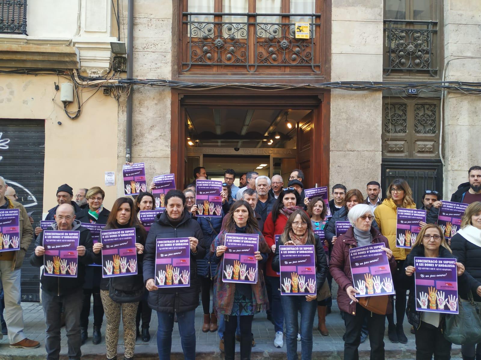 Concentració en suport de les dones d'Andalusia