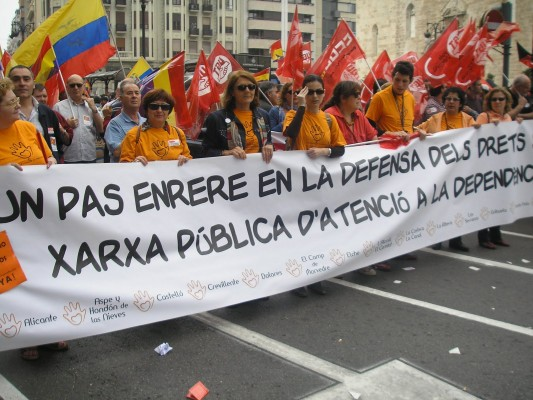 María Nuñez, Intersindical Valenciana, en manifestació per aplicació Llei Dependència.