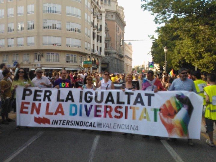 Intersindical Valenciana en la manifestació del dia de l'orgull LGTB.