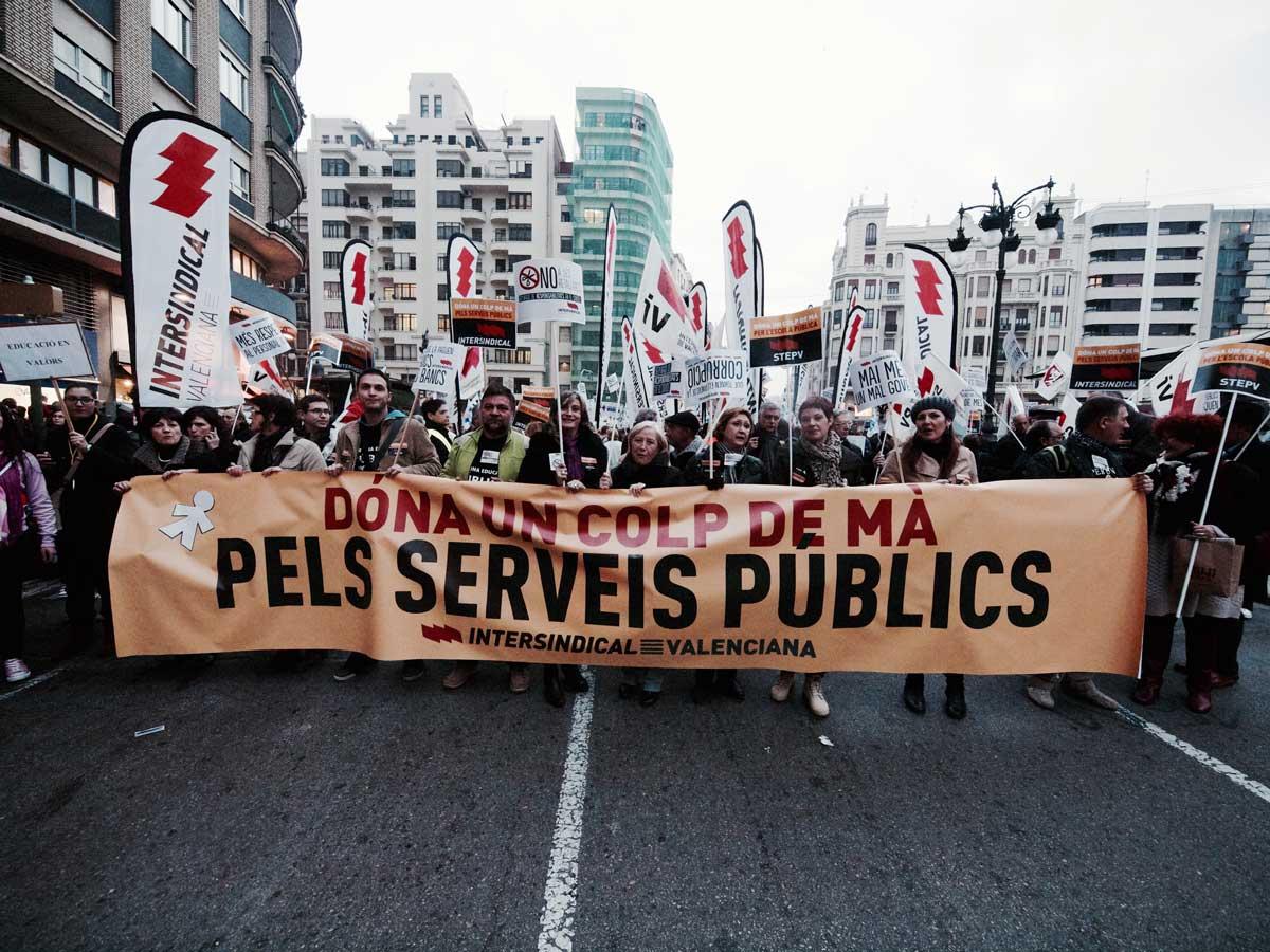 Manifestació del gener de 2012 contra les retallades als serveis públics.