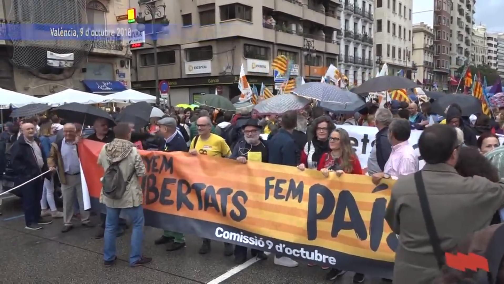 Clam ciutadà contra la por en la manifestació del 9 d'octubre